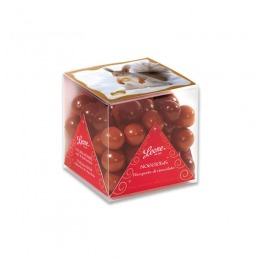 Chocolate-covered huzelnuts